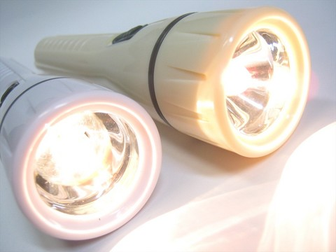 2013-09-30_MINI-FLASHLIGHT_01.JPG